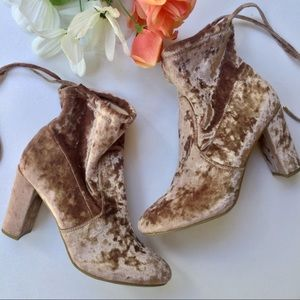 REPORT Crushed Velvet Whitney Heel Boots Size 9